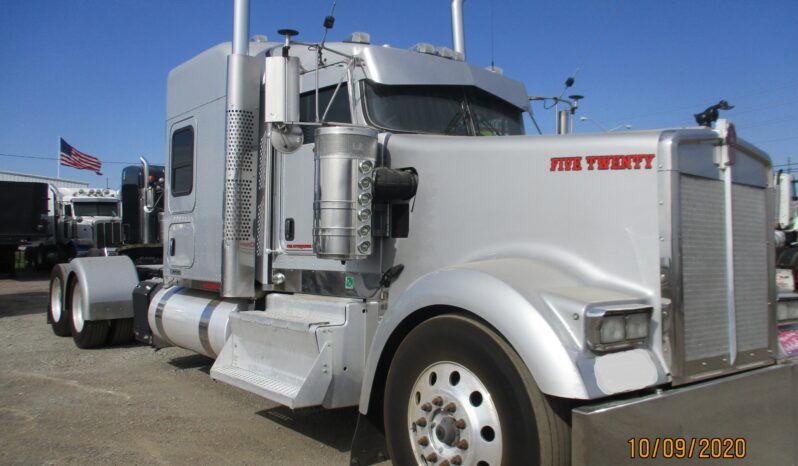 2013 KENWORTH W900L WITH ENGINE OVERHAUL full