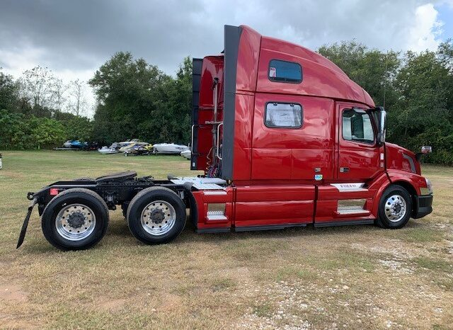 2015 VOLVO VNL62T780 WITH CERTIFIED ENGINE OVERHAUL full